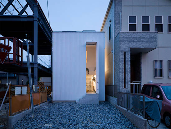 House in Moriyama, Japan by Suppose Design Office