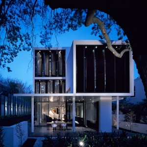 The Verdant Avenue House by Robert Mills Architects
