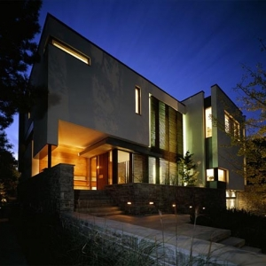House on a Ravine By Taylor Smyth Architects