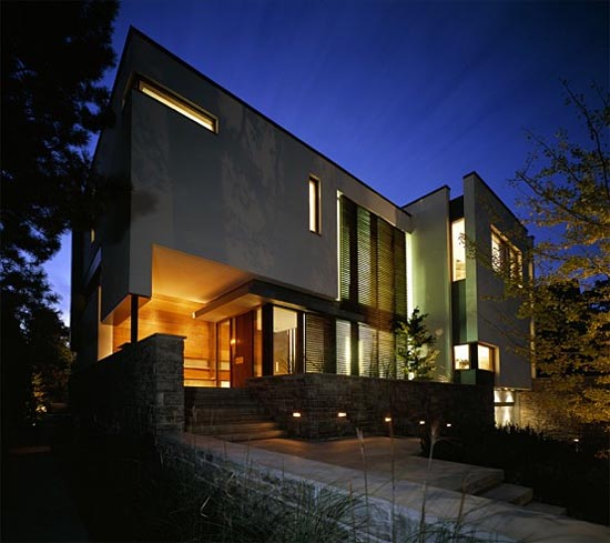 House on a Ravine By Taylor Smyth Architects