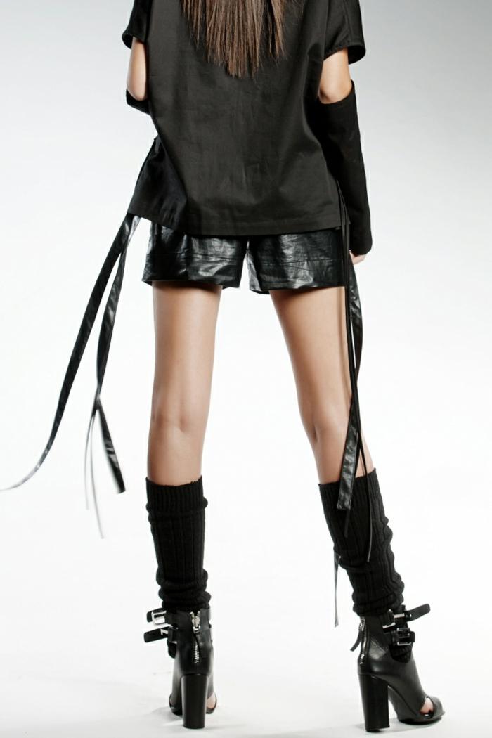 pendari-shorts-eco-leather-sandals-heels-cool-fashion-look