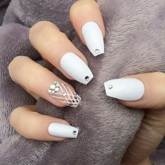 ▷1001 + Ideas For Nails With Rhinestones You Must Try This Year