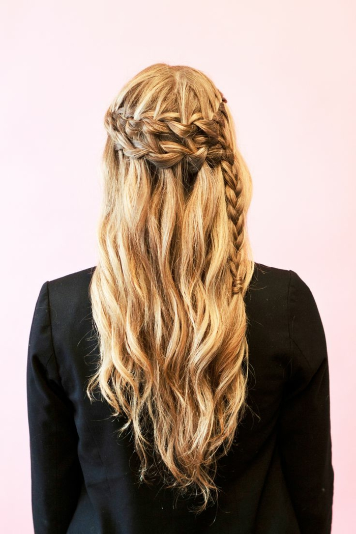 renaissance hairstyles, long wavy blonde hair, with two rows of side-woven braids, coming together in one, black blazer and pink background