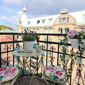 Small Balcony Set Up and Decor - The Best Tips