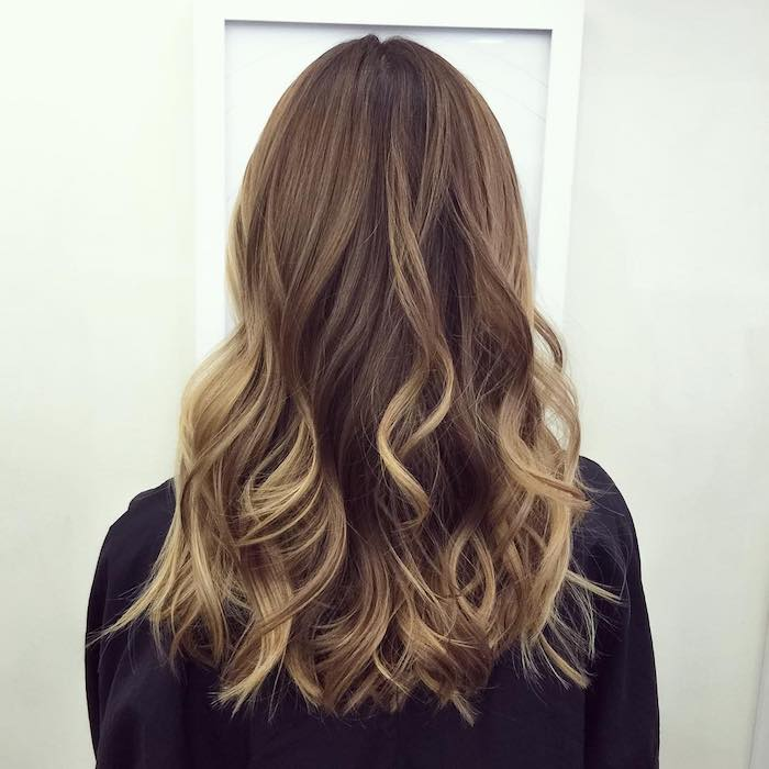 Balayage dore sur chatain