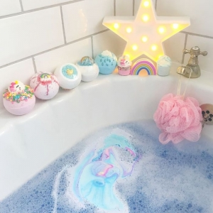 How to Make Bath Bombs: 100 + Suggestions for Colorful, Fragrant and Indulgent Bath Time Treats