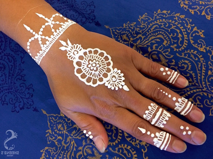 Simple Henna Tattoo On Hand: The Gorgeous Indian Henna Tattoo Art