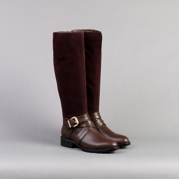 riding style boots, made from brown leather, with suede details, and metal buckles, what is a capsule wardrobe, basic winter boots
