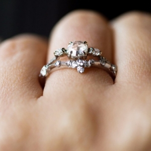 Amazing Diamond Engagement Rings - How to Choose?