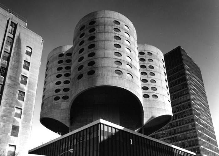 prentice women's hospital, composed by three cylindric, tower-like structures, with oval windows, demolished in 2013