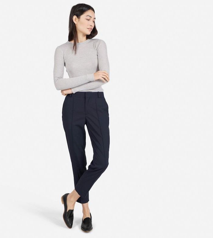 business casual dress code, light grey blouse, black trousers and pointed shoes