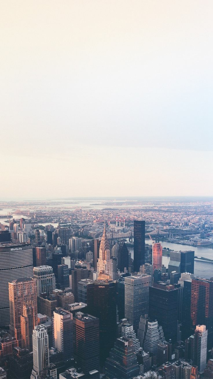 summer iphone wallpaper, new york skyline, chrysler building, grey sky