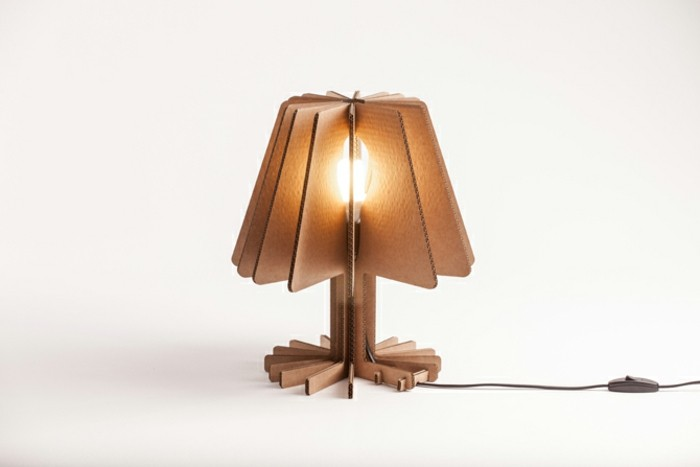 cardboard side bed lamp, in front of a white background, how to make cardboard