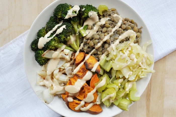 white plate, full of vegetables, nutrition plan, lentils and broccoli, onions and mushrooms