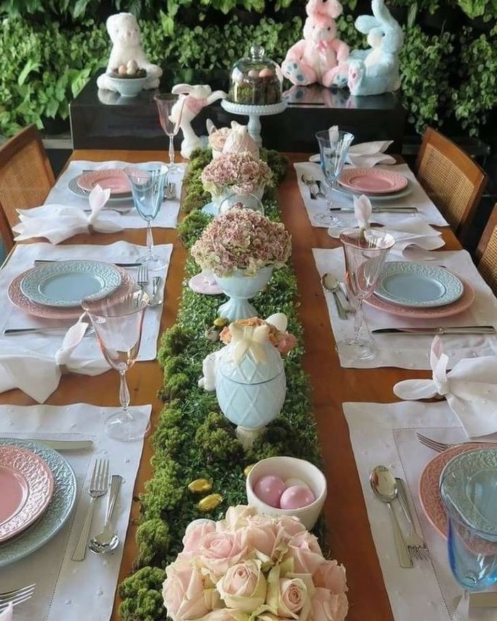 pink and blue plate settings, easter table decorations ideas, moss like table runner