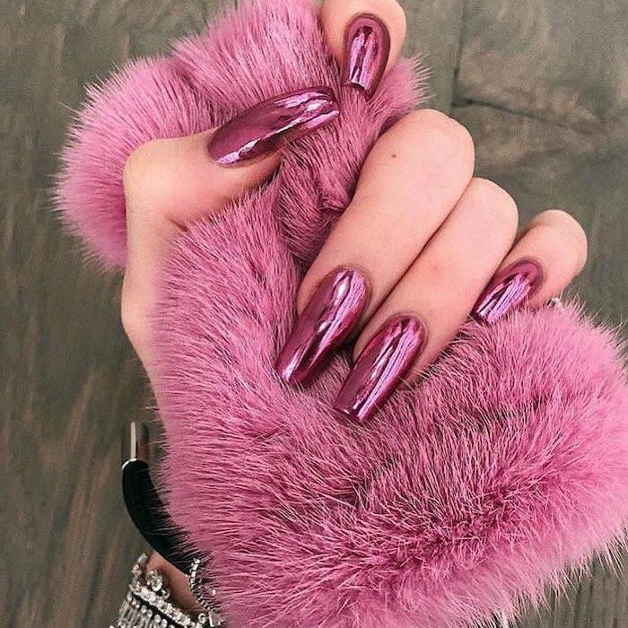 long coffin nails, pink metallic nail polish, cute coffin nails, hand holding pink fur