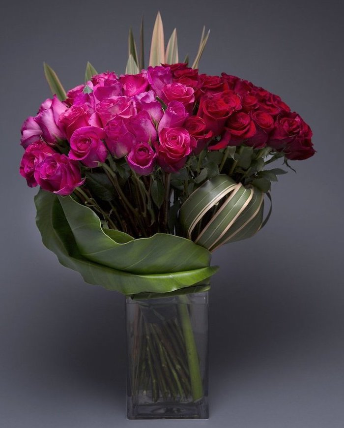 pink and red roses, large flower bouquet, how to make flower arrangements, large square glass vase