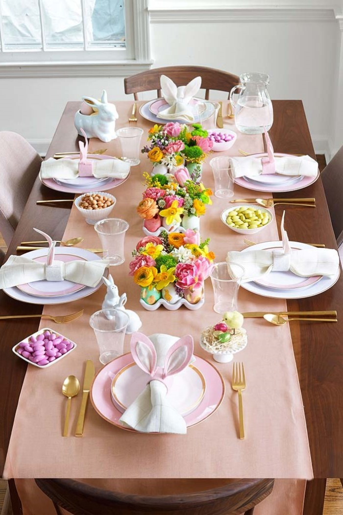 boquets of flowers, inside eggshells, easter table decorations ideas, pink bunny ears napkins