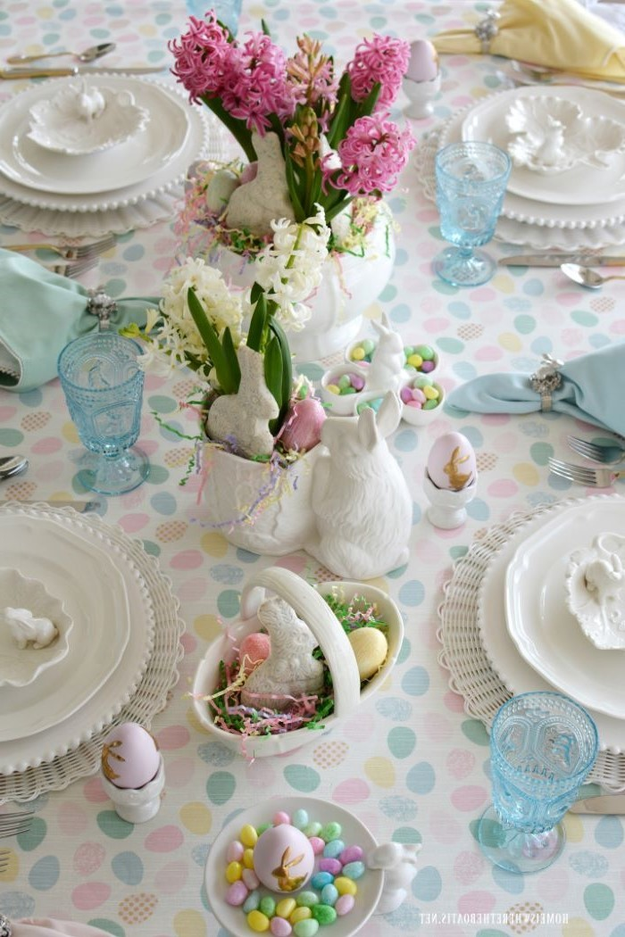 hyacinth flower bouquet, ceramic bunny figurines, easter table decorations ideas, chocolate eggs
