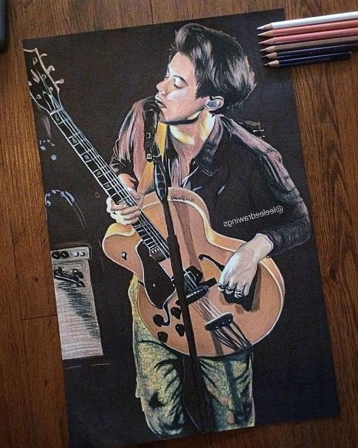 harry styles singing, playing the quitar, easy things to draw for beginners, coloured pencils portrait