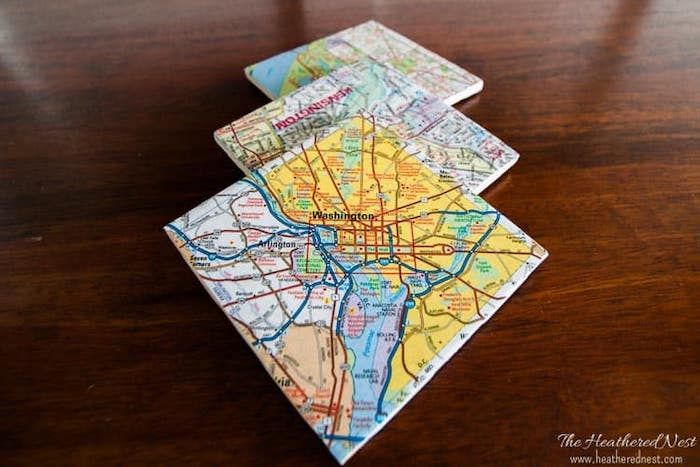 gifts for new homeowners, diy map coasters, wooden table, step by step, diy tutorial