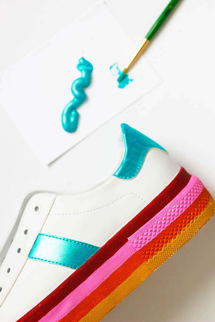 shades of red, painted sole, white sneakers, thoughtful gifts, step by step, diy tutorial, blue paint