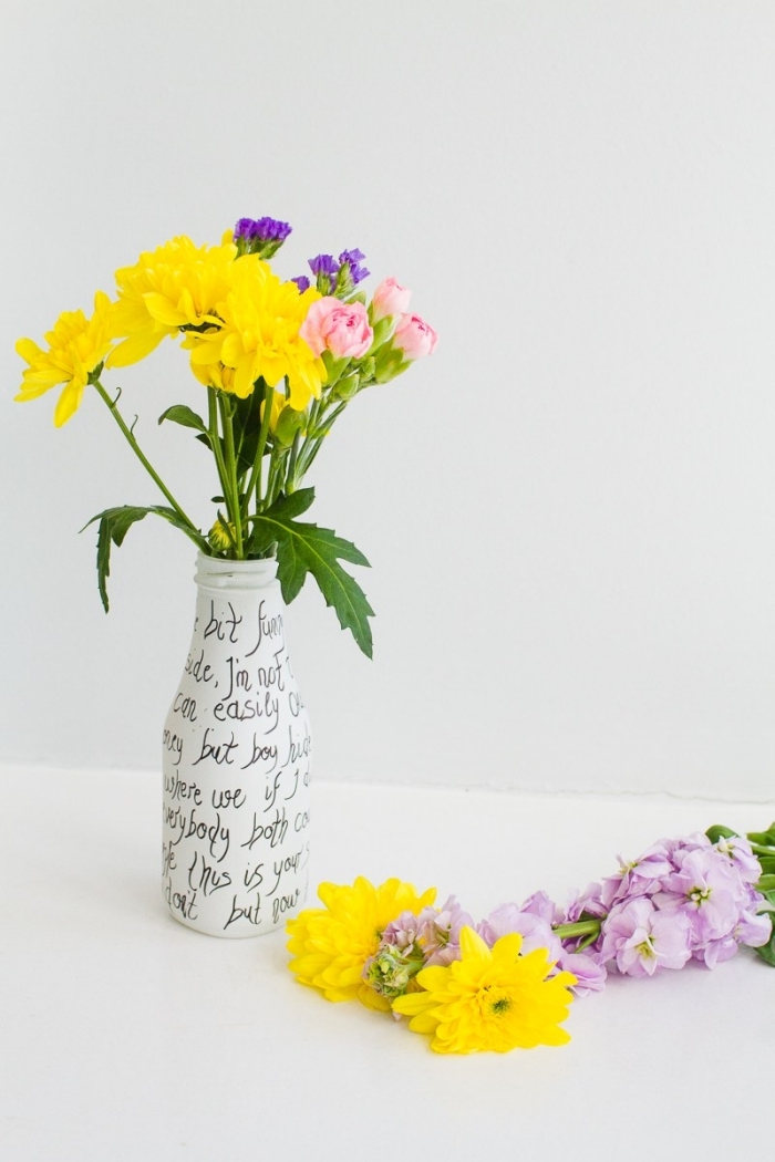 glass pottle, painted in white, flower bouquets, kitchen table centerpieces, white background