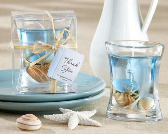 how to make scented candles, beach candles, as favors, on blue plates, seashells inside
