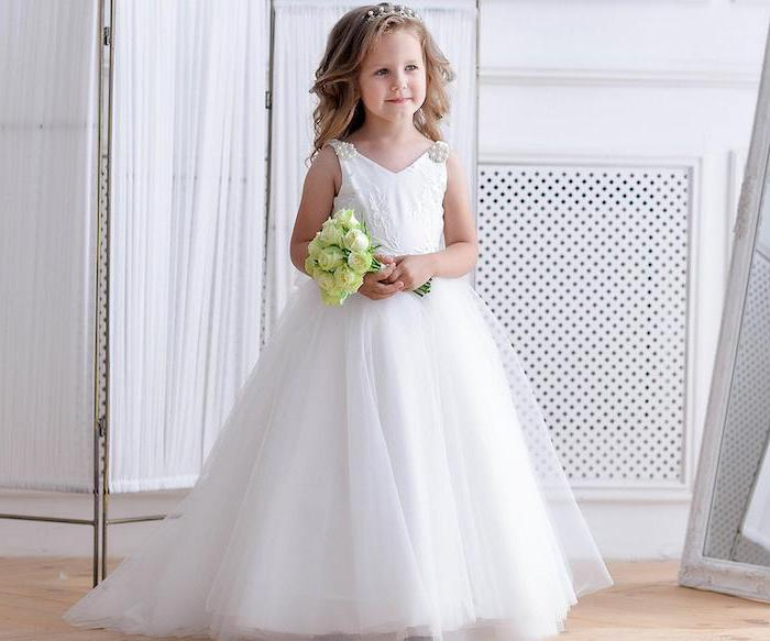 white lace and tulle dress, blonde wavy hair, cute girl outfits, white roses flower bouquet, white tiara