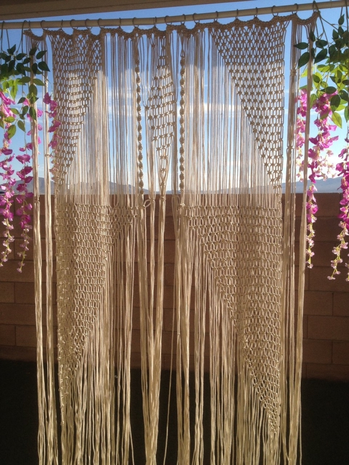 brick wall, blue sky, free macrame patterns and instructions, macrame curtain, hanging flowers