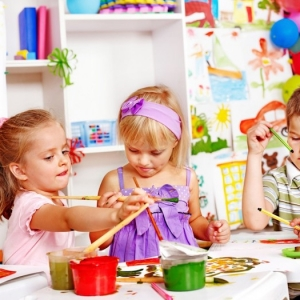 More than 80 preschool activities which are entertaining and easy to achieve