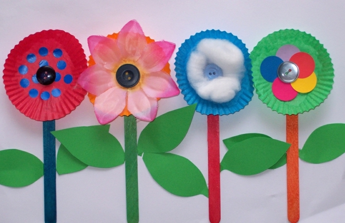 popsicle wooden sticks, preschool learning activities, flowers made of paper, with buttons