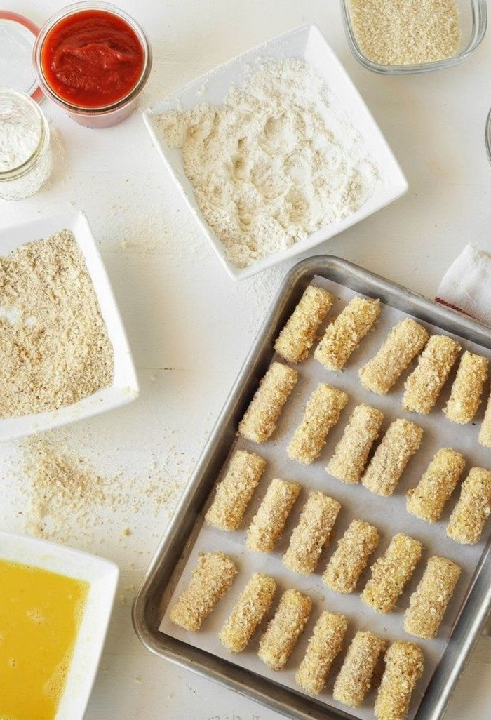 step by step, diy recipe, vegan appetizers, mozzarella sticks, with marinara sauce