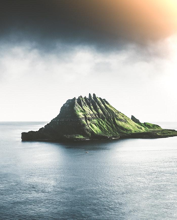 mountain island landscape, tumblr desktop backgrounds, ocean around, dark sky