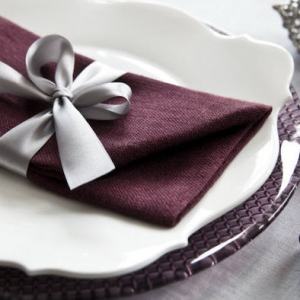 Over 70 napkin folding tutorials and ideas for an Insta-worthy table setting