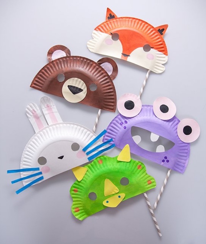paper plates, turned into animals, fun indoor games for kids, fox and bear, frog and bunny