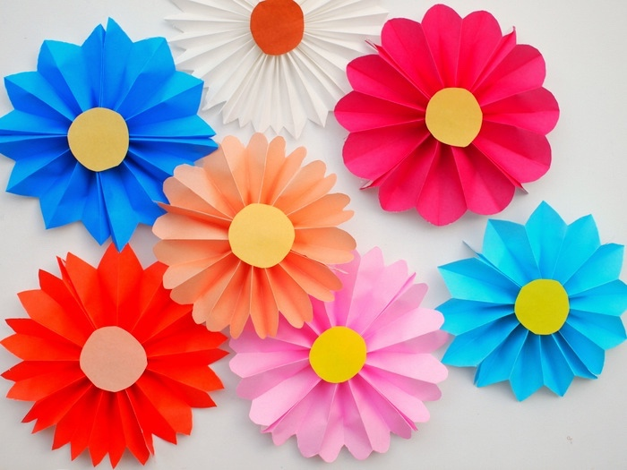 colourful flowers, pink and blue, red and orange, prek learning games