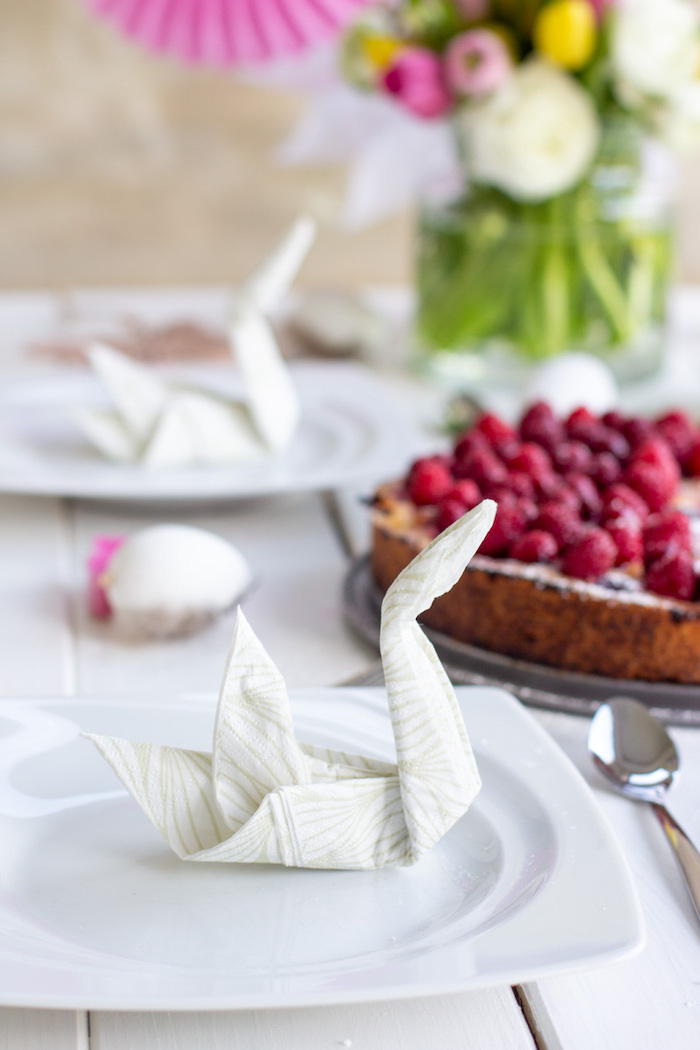 swan shaped, white napkin, how to fold napkins with rings, strawberry cheesecake
