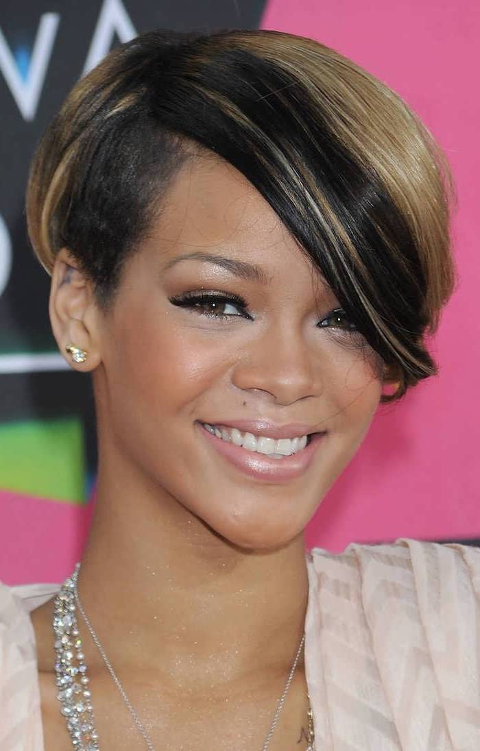 rihanna smiling, short hairstyles for black women, brown hair, blonde highlights