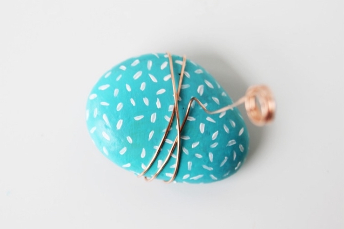 blue rock, white brush strokes, cool diys, brass wire, wrapped around it