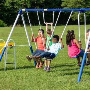 How to choose the best swing set for your children