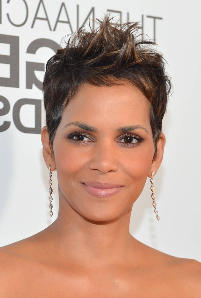 halle berry, long hanging earrings, black hair, brown highlights, short haircuts for black women