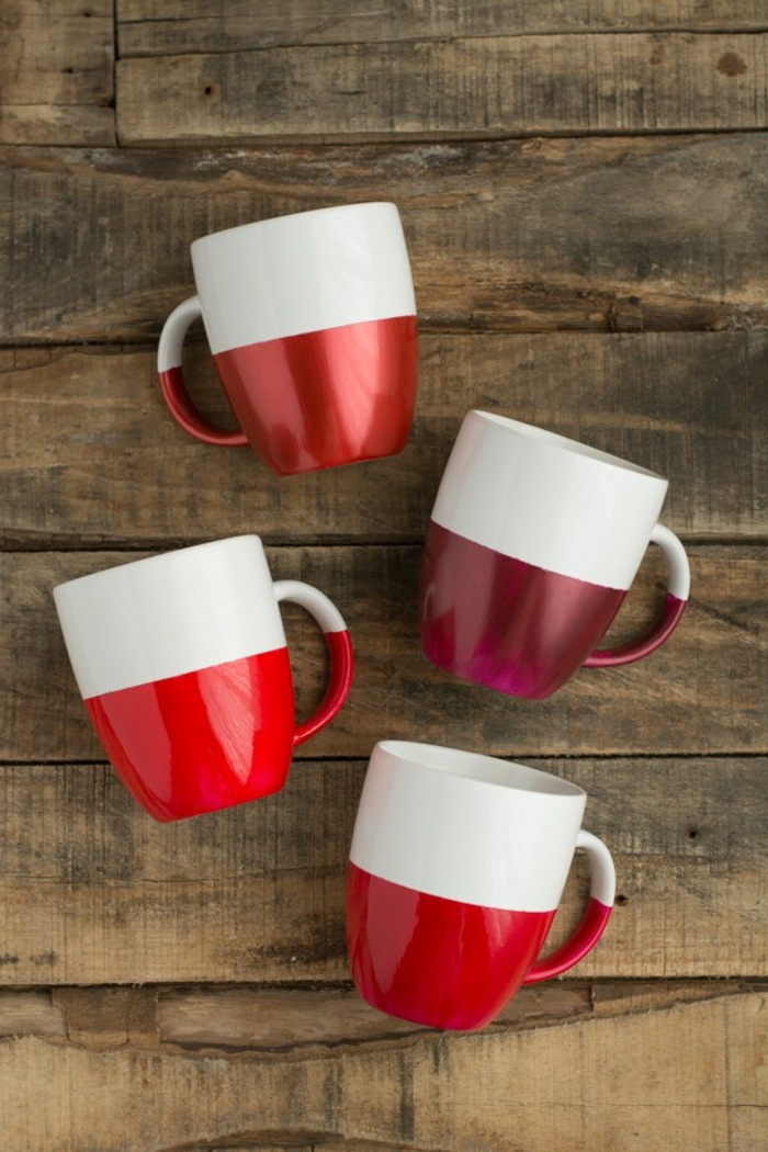 half white, half red, coffee mugs, crafts for adults, wooden background