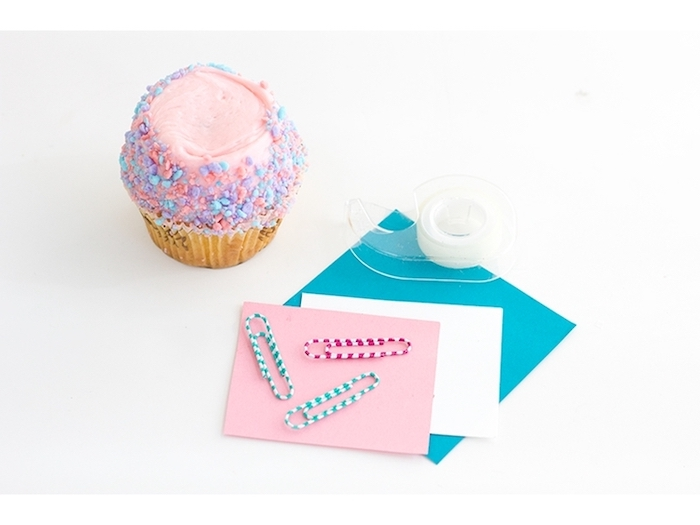 colourful sprinkled cupcake, paper clips, sweet 16 themes, step by step, diy tutorial