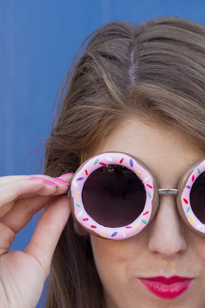 donut shaped sunglasses, painted in pink, with sprinkles, what to do when your bored for kids