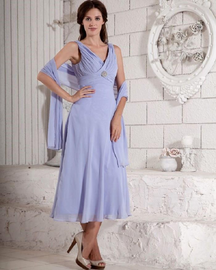 mother of the bride dresses for beach wedding, light blue dress, chiffon scarf, nude heels