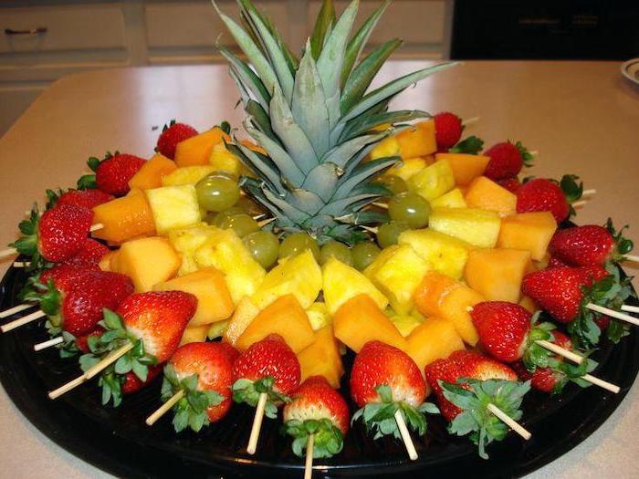 strawberries and watermelon, pineapple and grapes, on wooden skewers, theme party ideas, fruit platter