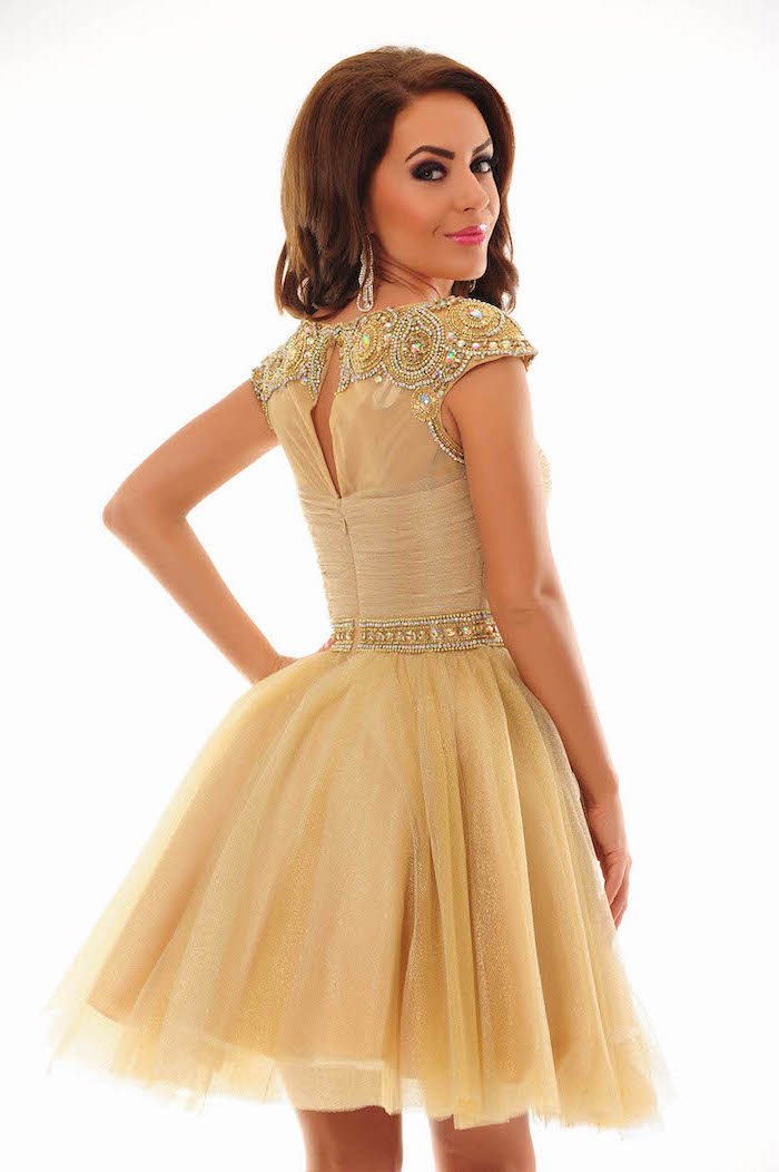 short dress, made of tulle and lace, brown wavy hair, gold bridesmaid dresses long