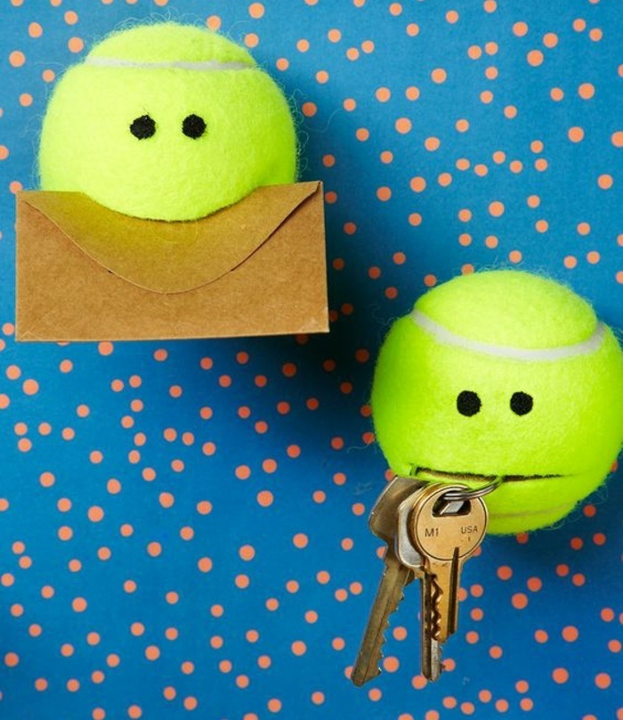 tennis balls, key holder, mail holder, fun easy crafts, blue background, orange dots