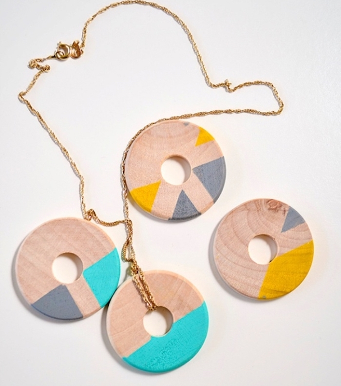 wooden necklace charms, easy diys for kids, golden necklace, white background